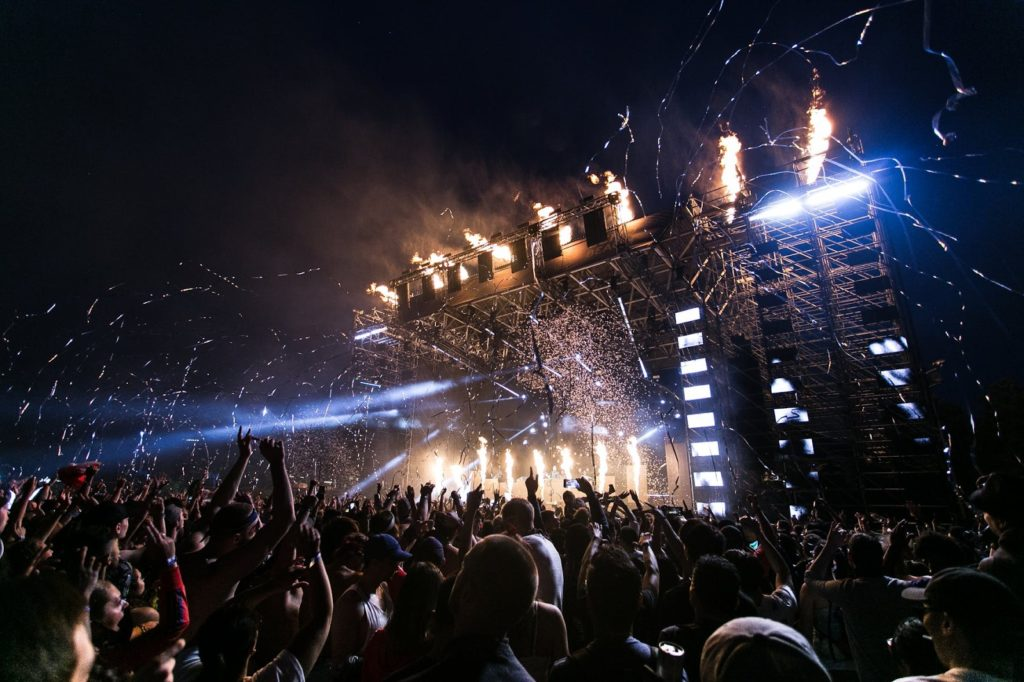 big concert with lights and confetti