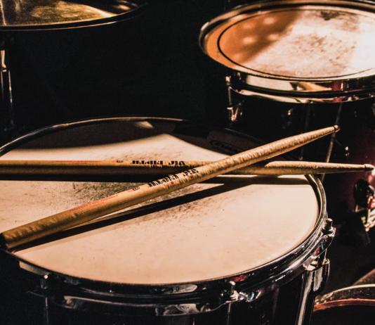 Drum sticks on snare drum