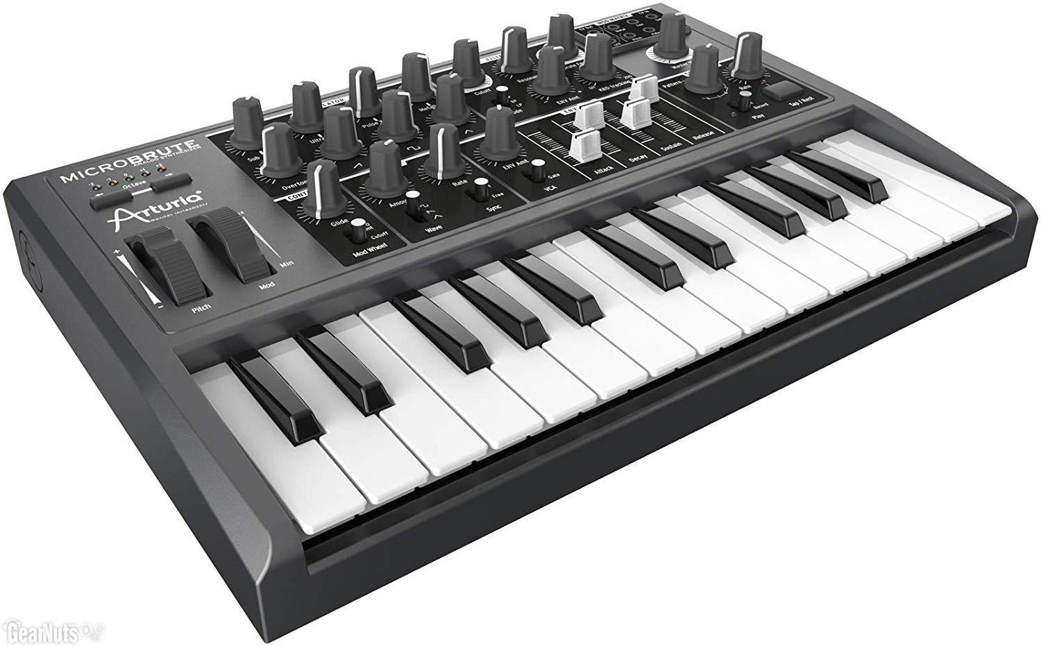 5 Best Synthesizers for 2021 [Buyer's Guide and Reviews] 1